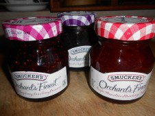 SMUCKER'S ORCHARD'S FINEST PRESERVES