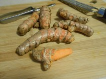 FRESH TURMERIC ROOT 2