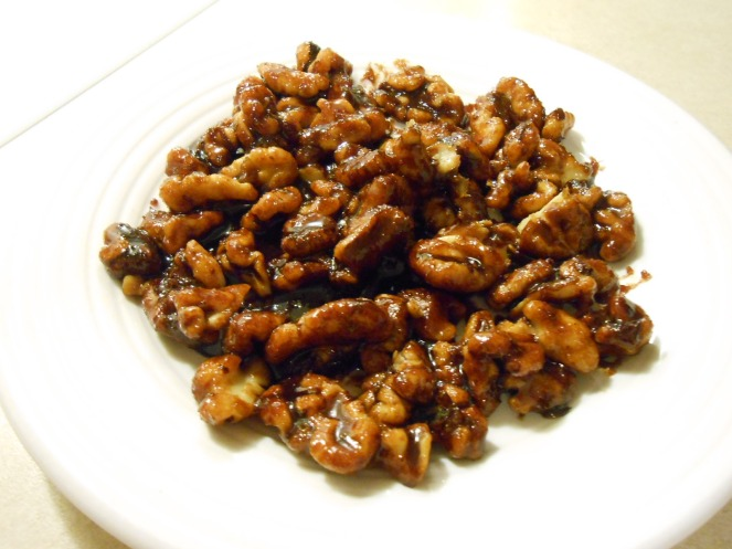 CARAMELIZED WALNUTS PLATE
