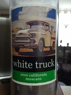 WHITE TRUCH MOSCATO