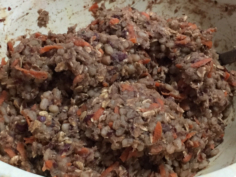 BURGER MIX WITH ADDED ROLLED OATS AND CARROT