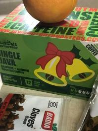 jingle-java-box-and-cloves