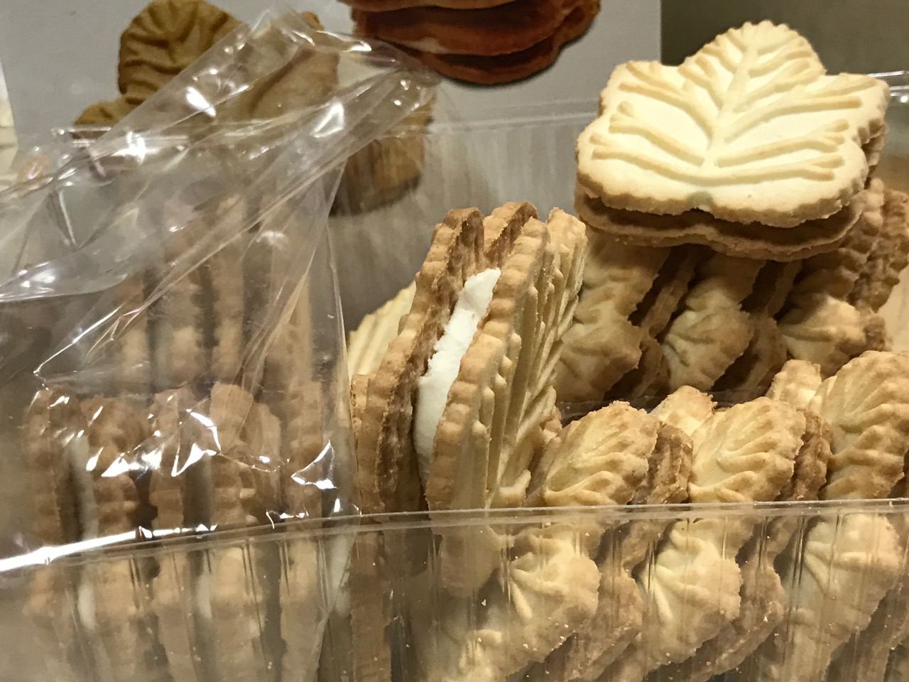 EARTH FARE MAPLE CREME COOKIES 2