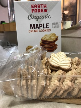EARTHFARE MAPLE CREME COOKIES 1