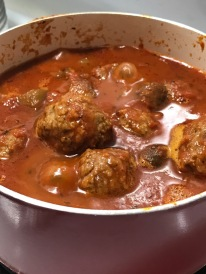 GARDEIN MEATLESS MEATBALL IN MARINARA POT 2