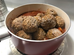 GARDEIN MEATLESS MEATBALL IN MARINARA POT